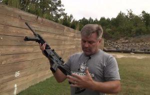 華府激辯控槍議題  輿論聚焦「撞火槍托」
