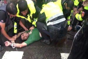 外籍男子台总统府附近攻击警员 遭压制逮捕