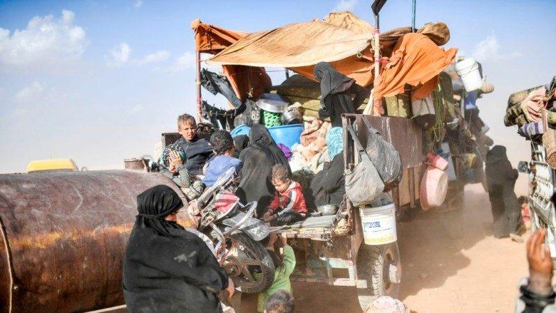 圍剿IS 拉卡百名殘餘武裝分子投降撤離