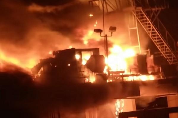 美路州钻油平台爆炸 7人受伤1失踪