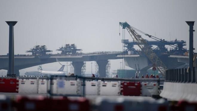 港珠澳大橋爆嚴重事故 海底隧道爆裂泥水「井噴」(視頻)