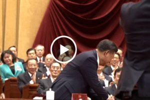 十九大官方畫面顯示 江澤民兩度在重要時刻被遮擋