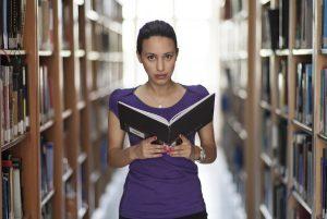 研究:多閱讀就長壽 常使用臉書者死亡風險低12%