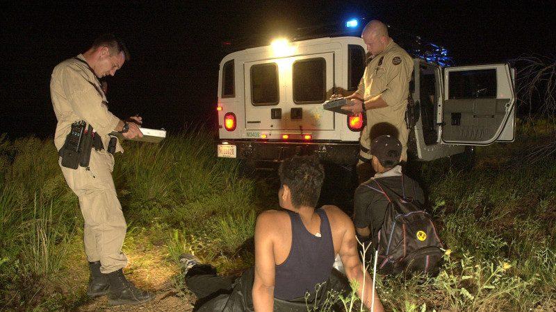 川普的功劳!边界逮捕偷渡人数降至45年最低
