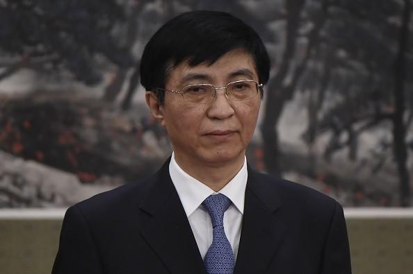 港媒:王沪宁一度失宠 妻子险被日本策反