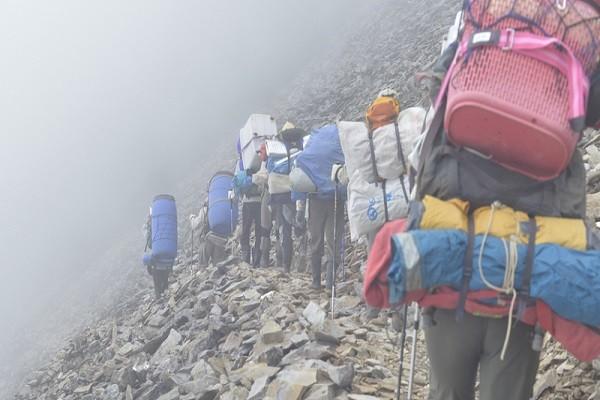 玉山年迎百萬登山客 4年清出逾千公斤垃圾