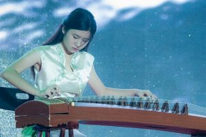 佛家故事:弹琴的比喻