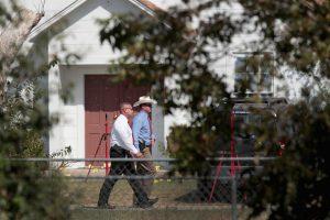 德州居民勇夺枪手步枪 驾车时速150公里追击凶犯