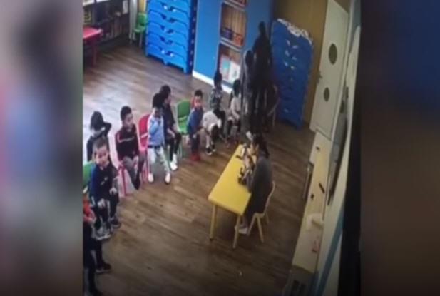 携程亲子园再曝虐童新视频  三职员捆绑一幼童(视频)