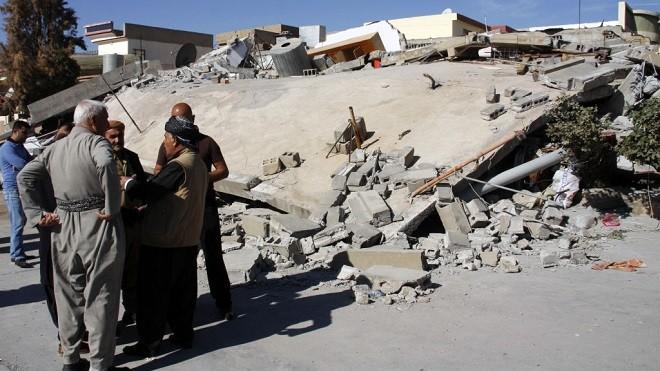兩伊邊境大地震增至460死 搜救難度大