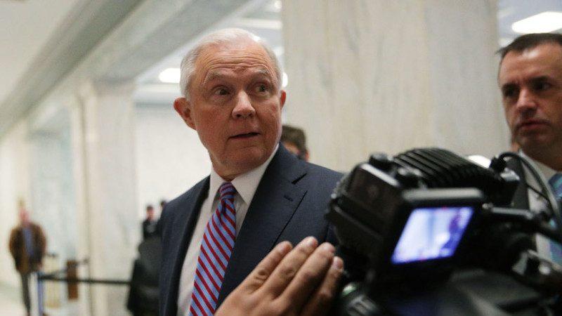 众议院提请调查希拉里引发激辩 司法部暂未通过