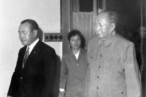 """毛泽东抗战时期写亲笔信 称侵华日军是""""兄弟"""""""