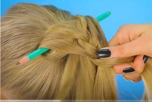她用一支鉛筆做頭髮 最後效果太酷了(視頻)