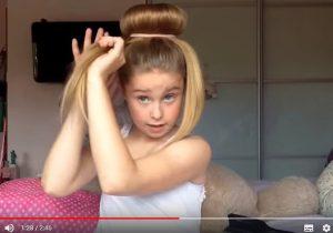 小女孩教大家用這個東西簡單做出的髮型 古典又時尚 想不到點擊超三千萬(視頻)