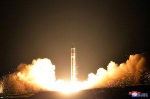 朝鲜自曝火星15导弹照片 专家发现大量细节