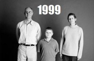 这家人连续25年拍全家福 两分钟时间 一转眼就白头(视频)