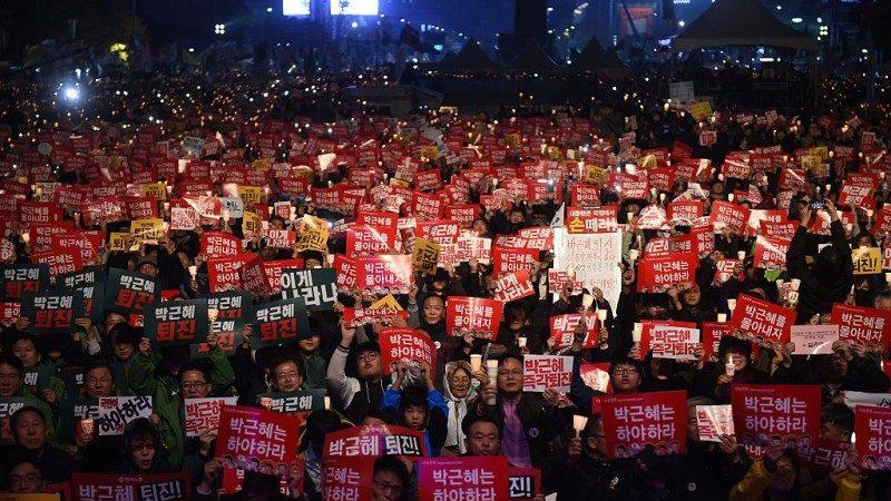 """""""破邪显正""""韩国总结过去一年来社会氛围"""