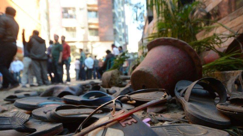 孟加拉前市長喪禮10萬人追悼 警揮棍釀人踩人60死傷