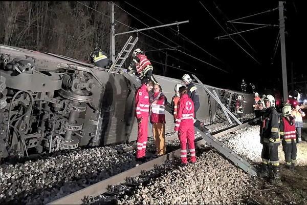 疑人为疏失 奥地利两列客运火车相撞酿8伤