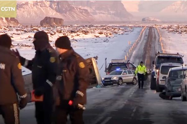 载46中国游客大巴冰岛翻覆 1死12重伤