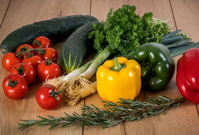 原來這才是蔬果正確保鮮法 以前都做錯了(視頻)