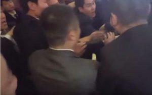 瞪眼撒謊?中共調查韓記者被打否認群毆  韓媒炸鍋