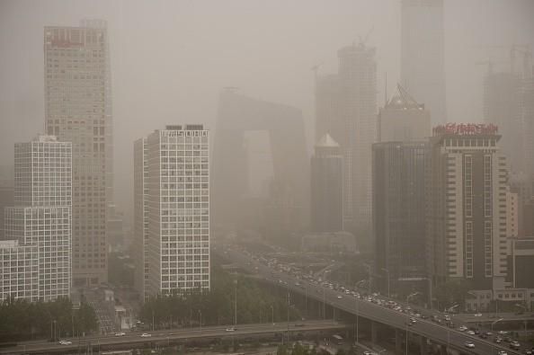 阴霾再袭京津冀  能见度不足50米