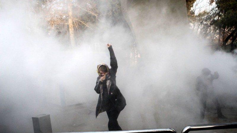 欧美关注反政府抗争 诺贝尔得主吁:伊朗公民参与不服从行动