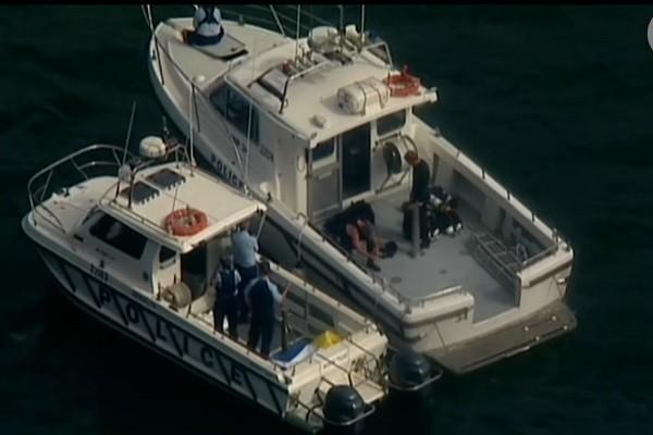 跨年活动前 悉尼水上飞机坠河 机上6人全罹难