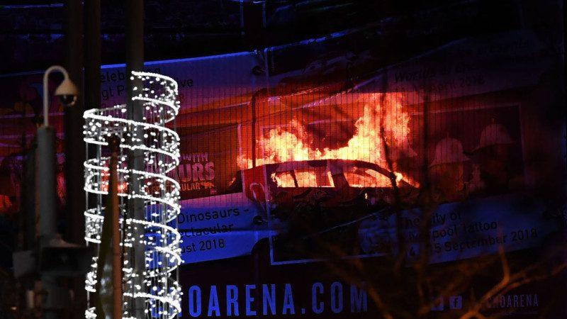 英利物浦停車場大火 猛烈火勢逾千車輛付之一炬