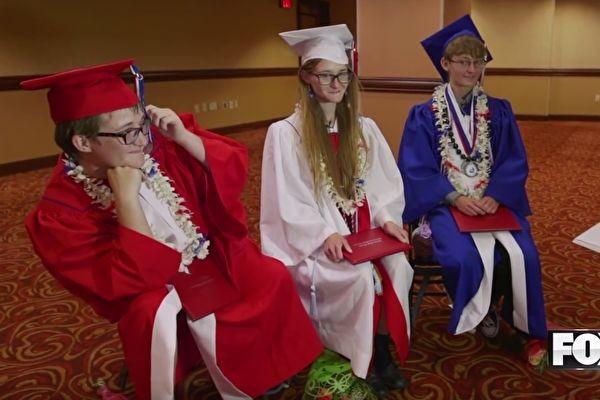 三胞胎不與他人說話 老師介入 啟發她們超勵志人生