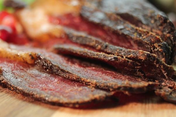肉干原来是这样做出来的 1分钟就学会(视频)