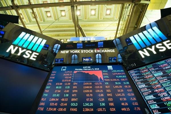 美股暴跌 分析师:阻股票过热 有望给观望者进入