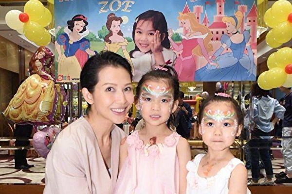 蔡少芬為女兒剪髮技法嫻熟 網友:張晉好福氣