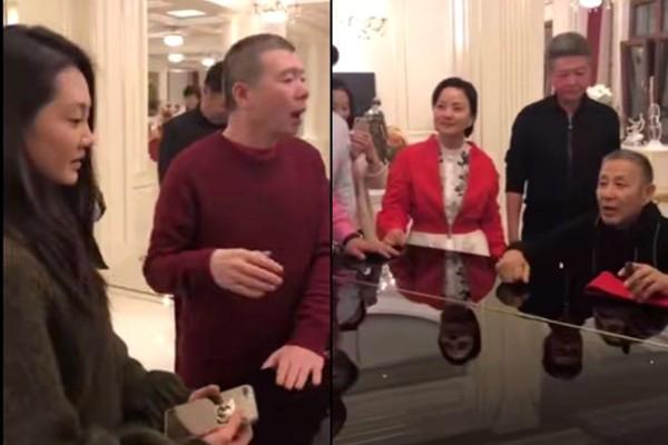 馮小剛新年派對 陳道明彈琴苗苗伴舞還原《芳華》(視頻)