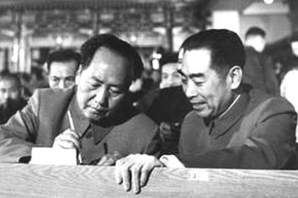 揭秘:周恩来与毛泽东周旋到死 毛三次挨整差点被枪毙
