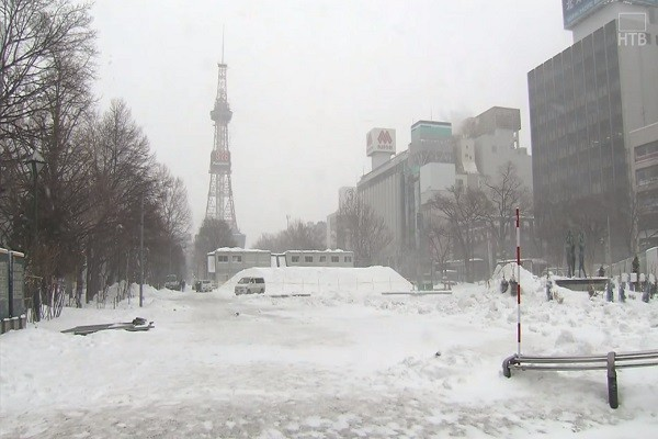 「彈炸」低氣壓襲日 颳強風下大雪 近300航班停飛