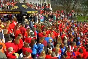 投資聰明教師 州長同意加薪 西弗州27.5萬學生返校