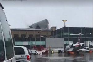 强风暴袭美东北 拉瓜迪亚机场屋顶被掀翻(视频)