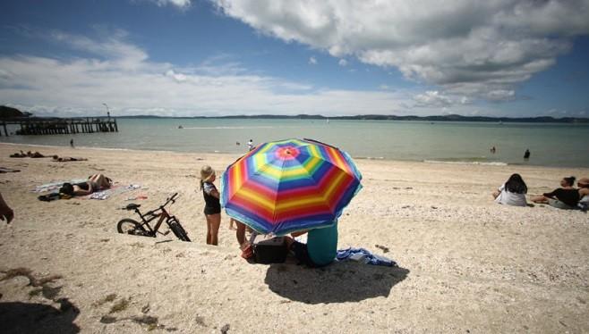 南北半球氣候兩極 新西蘭高溫破百年記錄