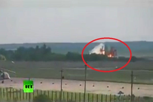 俄运输机降落坠毁  机上39人全罹难含27名军官(视频)
