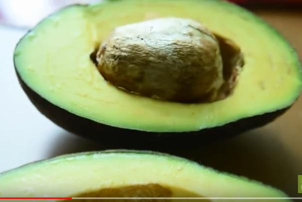 每天半顆酪梨 遠離高血脂(視頻)