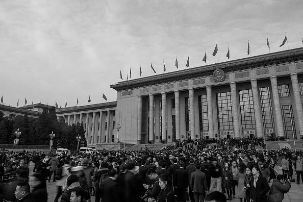 中共财政部:近年扶贫超常规 去年7亿专款被挪用