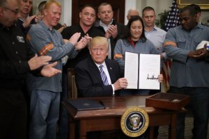 原则与灵活并存 川普正式下令征收钢铝税