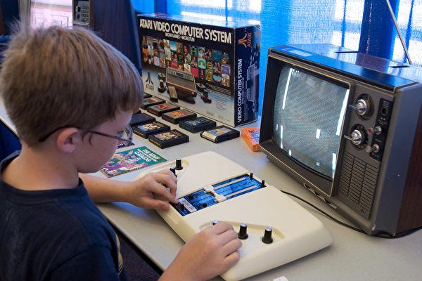 关注视频游戏对儿童影响 川普与电玩商会谈