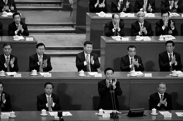 修宪表决读票现意外一幕 美媒聚焦习近平表情