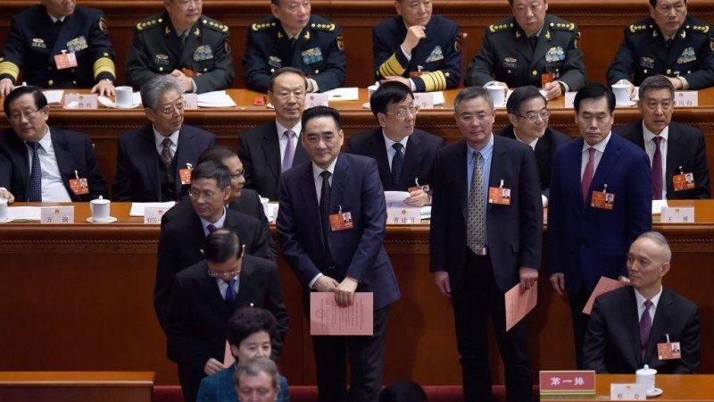 修宪表决2反对3弃权 网民惊呼:他们还好吧?