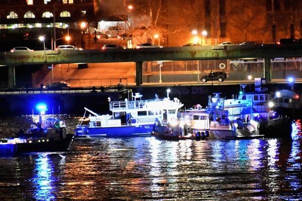 直升機墜毀紐約東河 5乘客全部遇難