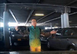紐約華人母女肉身佔車位視頻 引反移民聲浪(視頻)