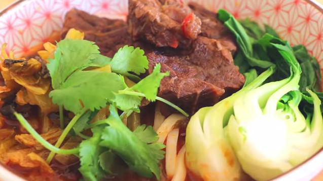 【美食天堂】红烧牛肉面的家庭做法